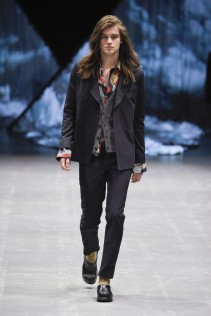 tonsure_look_12_2017_aw-733x1100