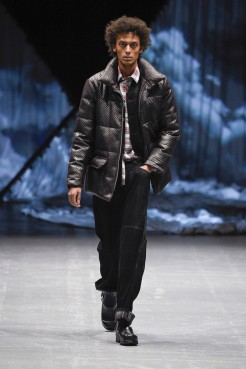 tonsure_look_16_2017_aw-733x1100