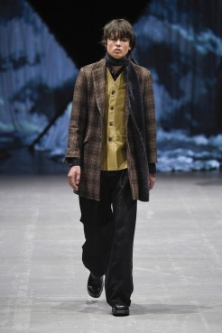 tonsure_look_18_2017_aw-733x1100